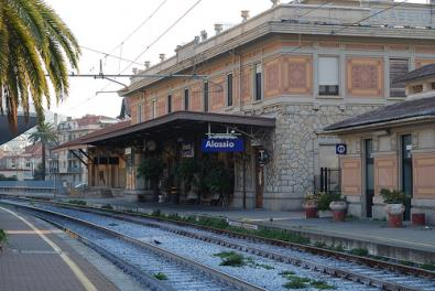 Stazione ferroviaria di Alassio