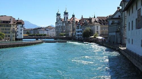 Lucerna un mix svizzero di delizie urbane