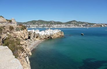 Ibiza: oltre la vita notturna